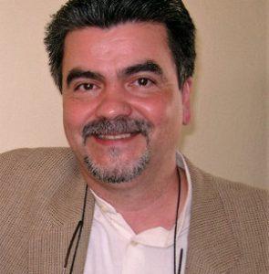 Dr. Fernando Villadongos